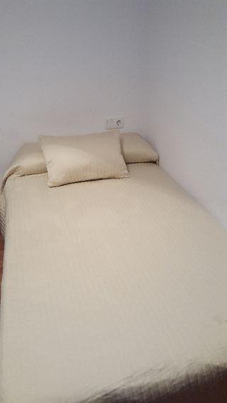 Dos camas de 1.05 con sus colchones