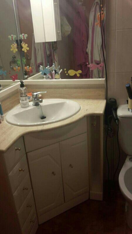 mueble lavabo esquinero con espejo de segunda mano por 40