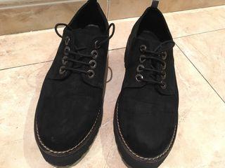 Zapatos negros planos stradiv