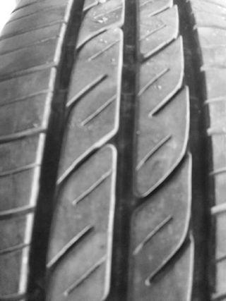 Neumático coche 175 65 14
