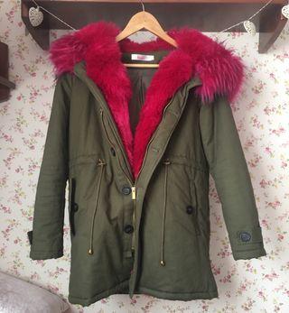 Abrigo verde pelo rosa nina