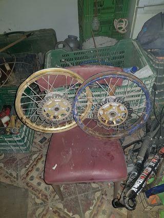Llantas 125cc