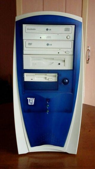 Torre ordenador PC.Atiendo whatsapp. 625220717