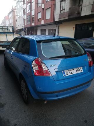 Vendo Fiat Stilo Dynamic 16v gasolina.