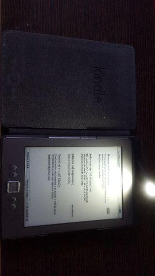 Kindle 4 + Funda con luz