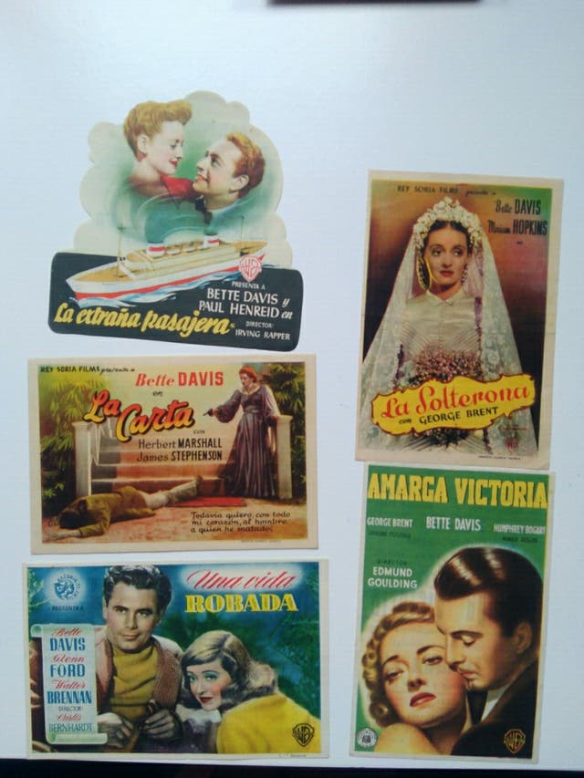 varios folletos mano Bette Davis