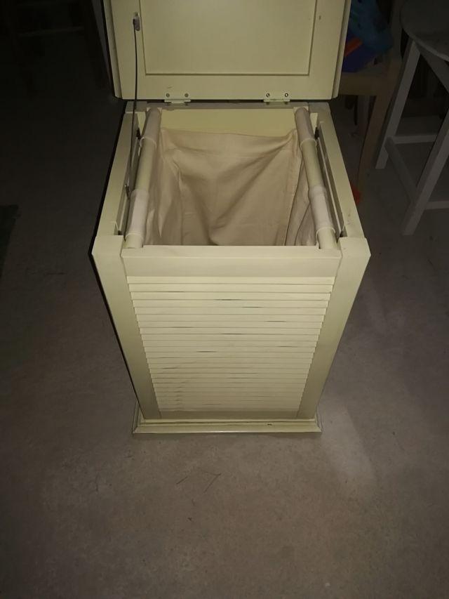 Mueble para la ropa sucia de segunda mano por 30 en baena en wallapop - Mueble ropa sucia ...
