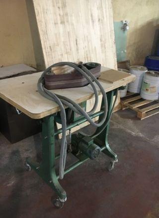 Se vende mesa lijadora