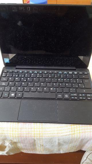 Tablet/Portatil. Dos en uno. Esta nuevo, sin uso.