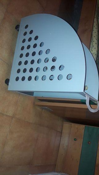 base para torre de ordenador con ruedas