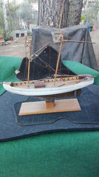 4 maquetas de barcos