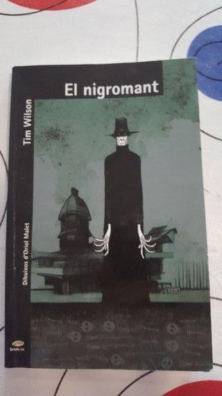 libro nigromant