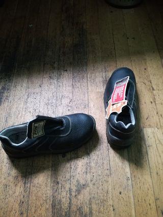 calzado numero 42 de seguridad para trabajar