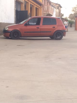 Renault Clio 1,4 gasolina