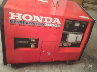 Generador eléctrico Honda semi-nuevo 3000w