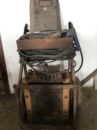 Maquina de soldar trifasica