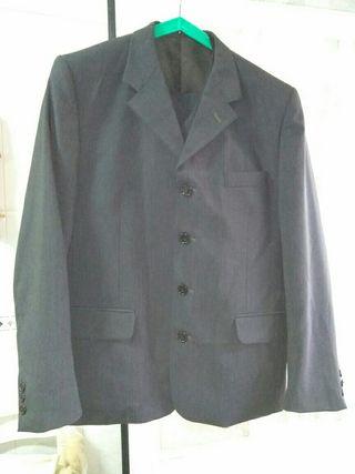 traje de caballero talla 50 de tres piezas