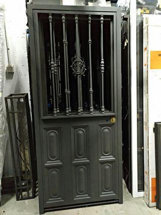 puerta de hierro para terraza o jardín
