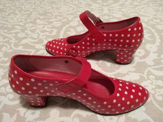 Zapatos baile con tacón. Para disfraz de Carnaval.