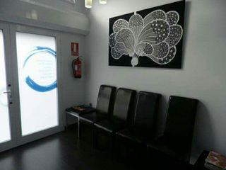 Se alquila sala de tratamiento apto para consulta