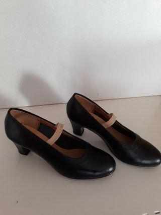 zapatos de flamenca y sevillana nuevos