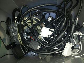 Cables, adaptadores, etc