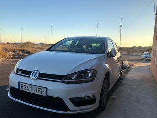 Volkswagen Golf sport R Line .