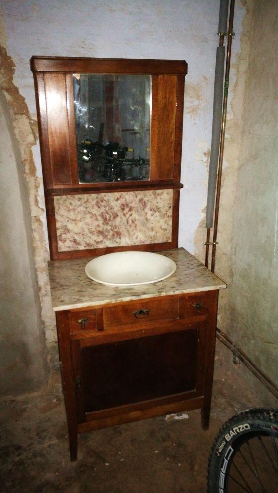 Mueble lavabo antiguo de segunda mano por 230 en m lida for Lavabos segunda mano