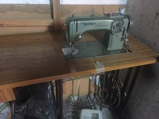 Maquina coser refrey