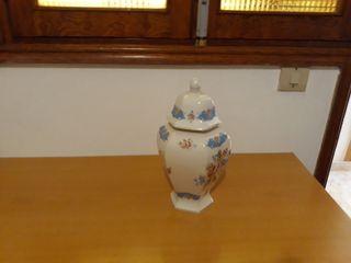 un jarron antiguo
