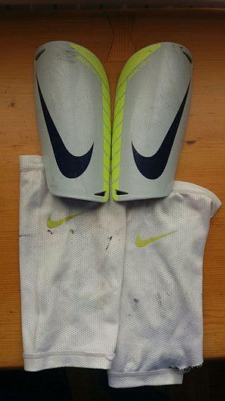 Espinillera Nike Mercurial