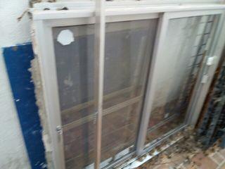 Ventana de aluminio de segunda mano en sevilla en wallapop for Ventanas de aluminio en sevilla