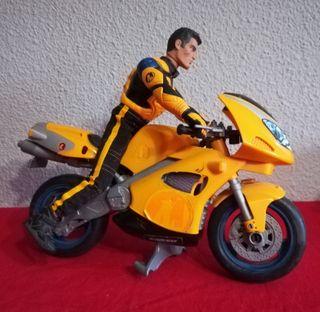 Motorista con moto Action Man