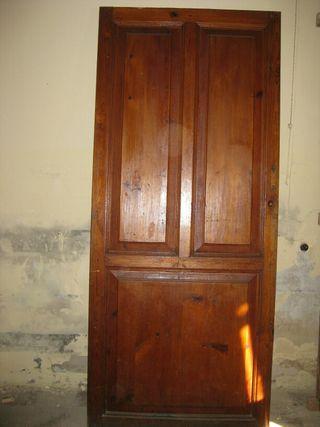 Puerta antigua habitación.