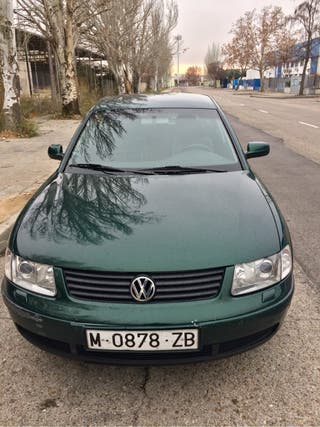 Volkswagen Passat año 2000 2.8 V6 gasolina 240.000km.