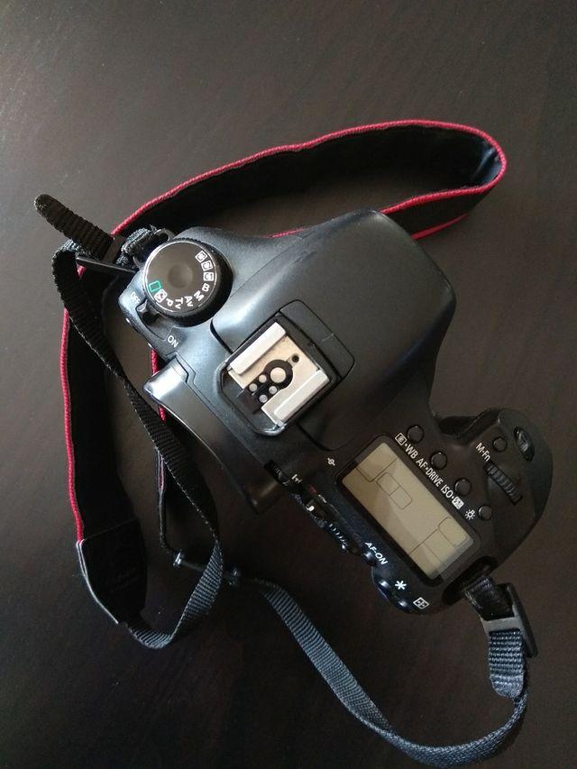 CAMARA CANON EOS 7D+ Grip original. + REGALO