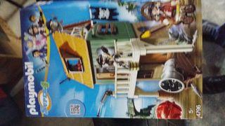 Playmobil Fuerte de Pirata Camuflado con Ruby, pla