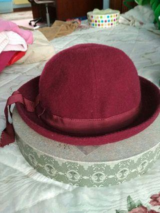 sombrero de niña color granate