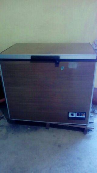 Congelador color madera