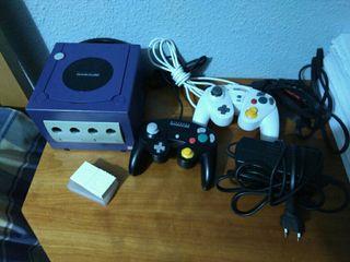 Nintendo Game Cube Morada + extras