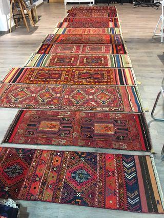Alfombra kilim largo tapete bordado