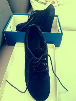 Calzado Mujer. Zapatos Gamuza 40