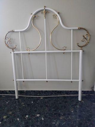 cabezal de cama de bronce de la casa Peris Andreu