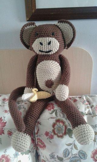 Peluche mono amigurumi