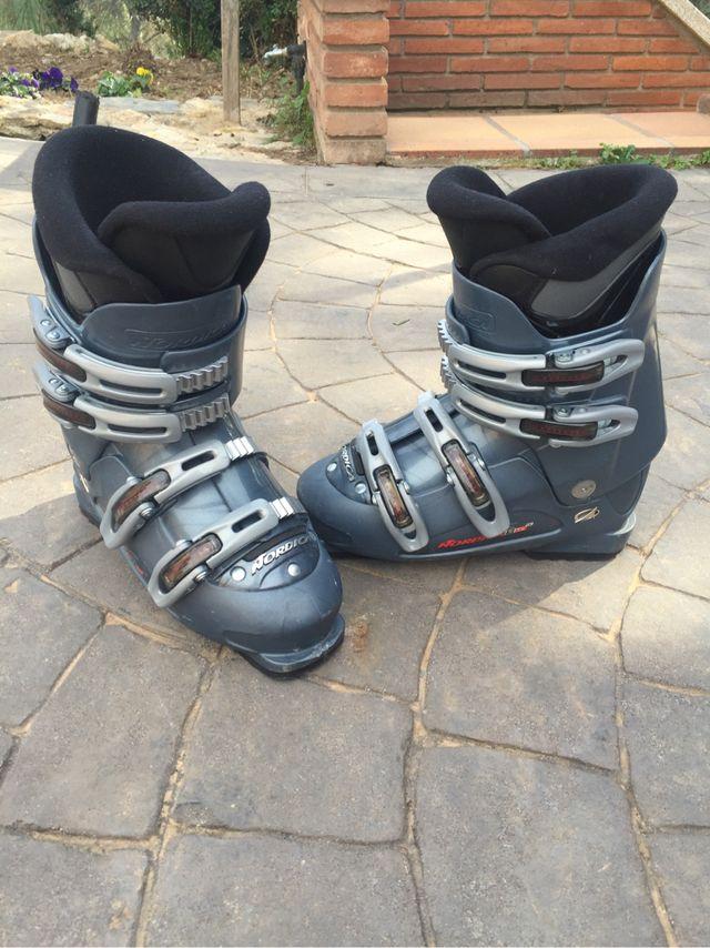 Botas de esquiar Nordica.