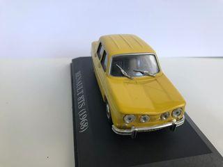 Maqueta de coche Renault 8TS