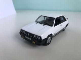 Maqueta de coche Renault 11 Turbo