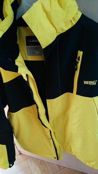 Chaqueta Outdoor marca BERG