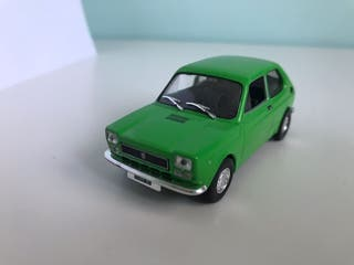 Maqueta de coche Fiat 127
