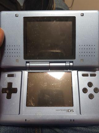 Nintendo DS funcionando pero con tapa rota